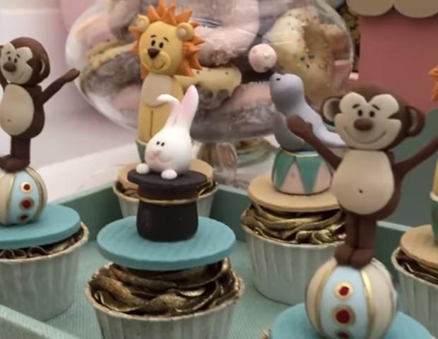 Cupcakes decorados  (Foto: Reprodução Youtube)
