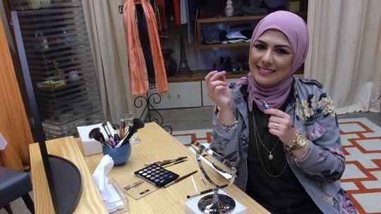 Blogueira ensina truques para realçar o olhar no 'É de Casa'