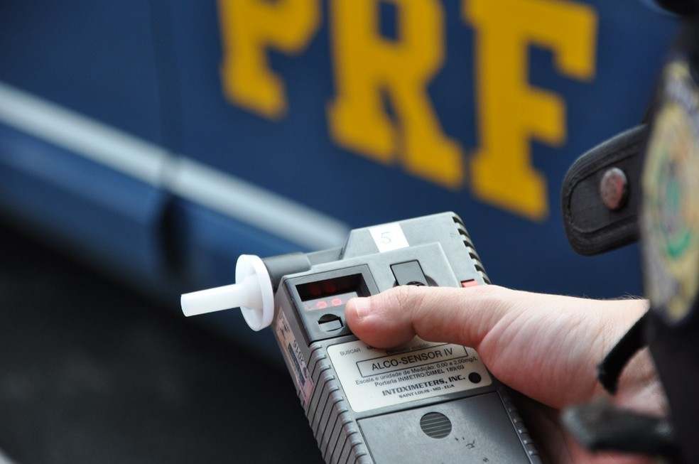 Bafômetro de equipe da Polícia Rodoviária Federal — Foto: PRF/Divulgação