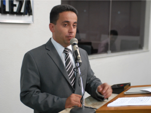 Leonelzinho negou, em depoimento, supostos crimes de nepotismo (Foto: Genilson de Lima/Câmara de Fortaleza)