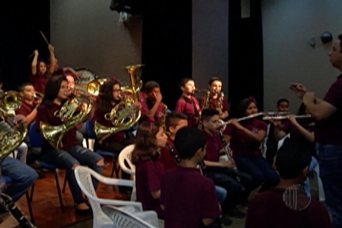 Alunos de Banda Sinfônica de escola do Botujuru, em Mogi, vencem campeonato nacional