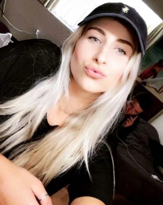 Toni Kelly, em selfie
