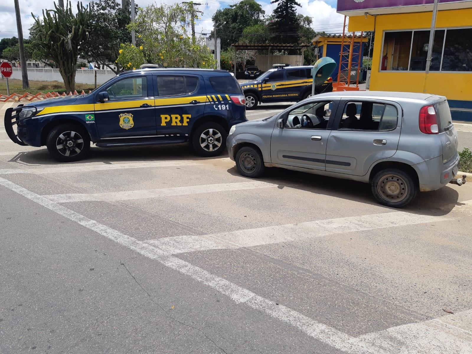 Homem é detido com carro de placas clonadas e documento falso em Garanhuns