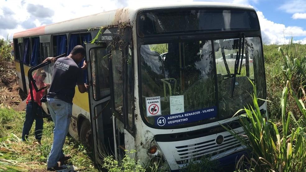 Sete estudantes ficaram feridos.  — Foto: Ricardo Araújo/Rede Amazônica