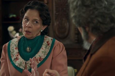 Rosi Campos é Agustina em 'O tempo não para' (Foto: Reprodução)