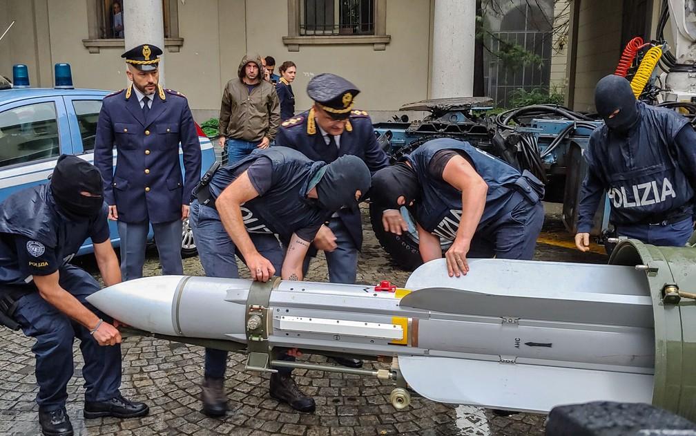 Polícia italiana encontra arsenal de guerra da extrema direita