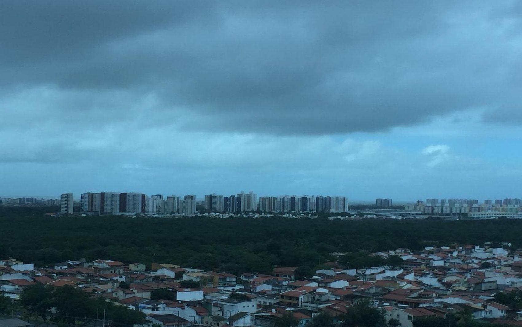 Previsão do tempo em Sergipe é de predominantemente nublado com possibilidade de chuva