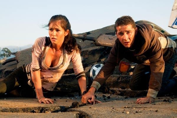Megan Fox e Shia LaBeouf em Transformers (Foto: Divulgação)