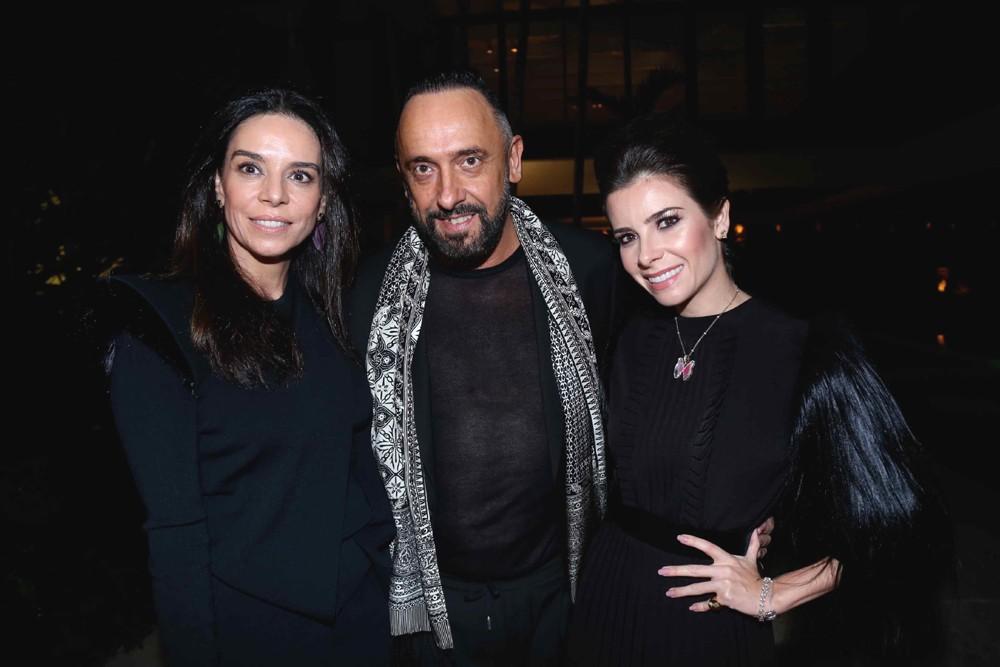 Chris Bicalho, do STB, com Roberto Riccio, do Istituto Marangoni, e Patricia Cardim, da Belas Artes (Foto: Divulgação)