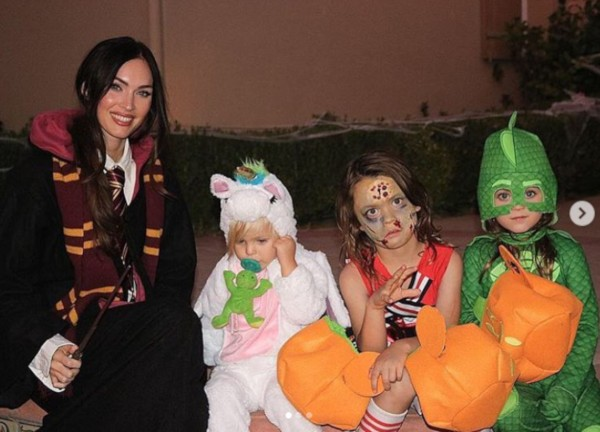 Megan Fox e os filhos Journey River, 2 anos, Bodhi Ransom, 4 anos, e Noah Shannon, 6 anos (Foto: Instagram)