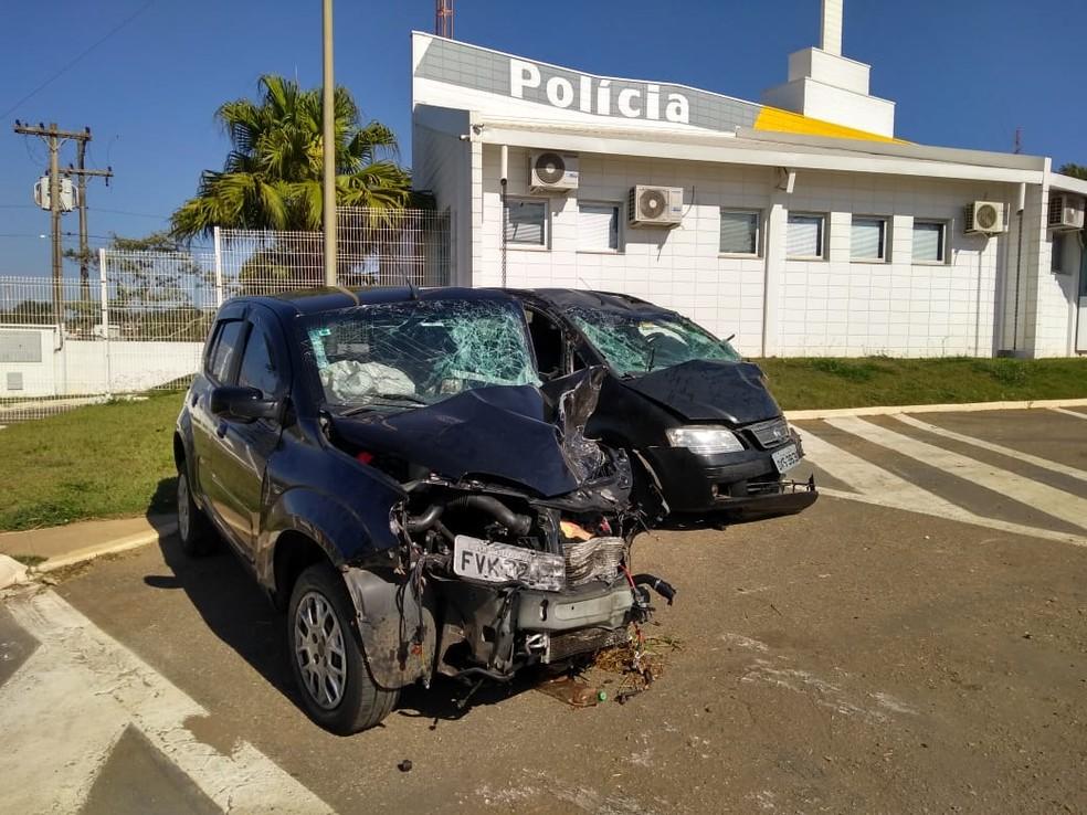 Motorista afirmou à polícia que invadiu pista após mexer no rádio (Foto: Jaime Rafael/TV TEM)