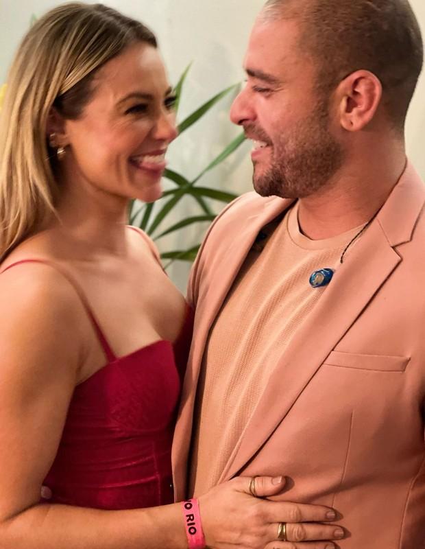 Paolla Oliveira e Diogo Nogueira confirmam namoro (Foto: Divulgação/Hugo Gloss)