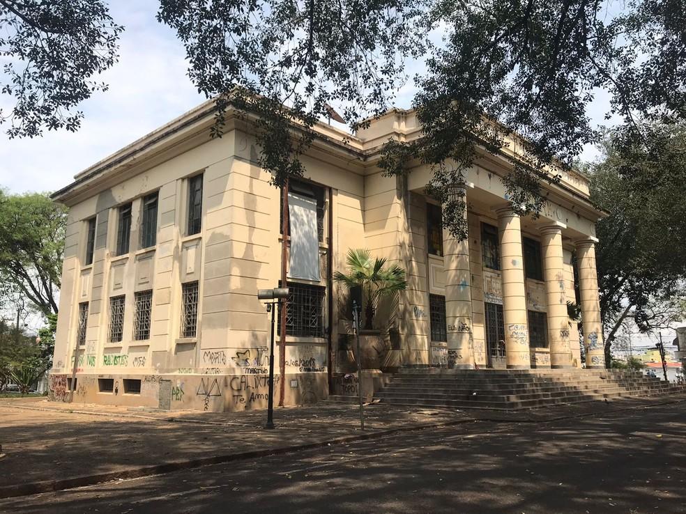 Estado suspende venda do prédio do Fórum Velho em Sorocaba e anuncia doação à prefeitura — Foto: Nathalia Silva/TV TEM