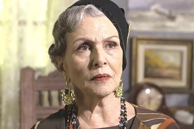 Irene Ravache em 'Espelho da vida' (Foto: TV Globo)