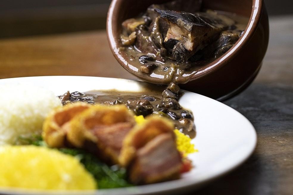 A feijoada foi um dos primeiros pratos do menu do restaurante — Foto: Jiquitaia/Divulgação