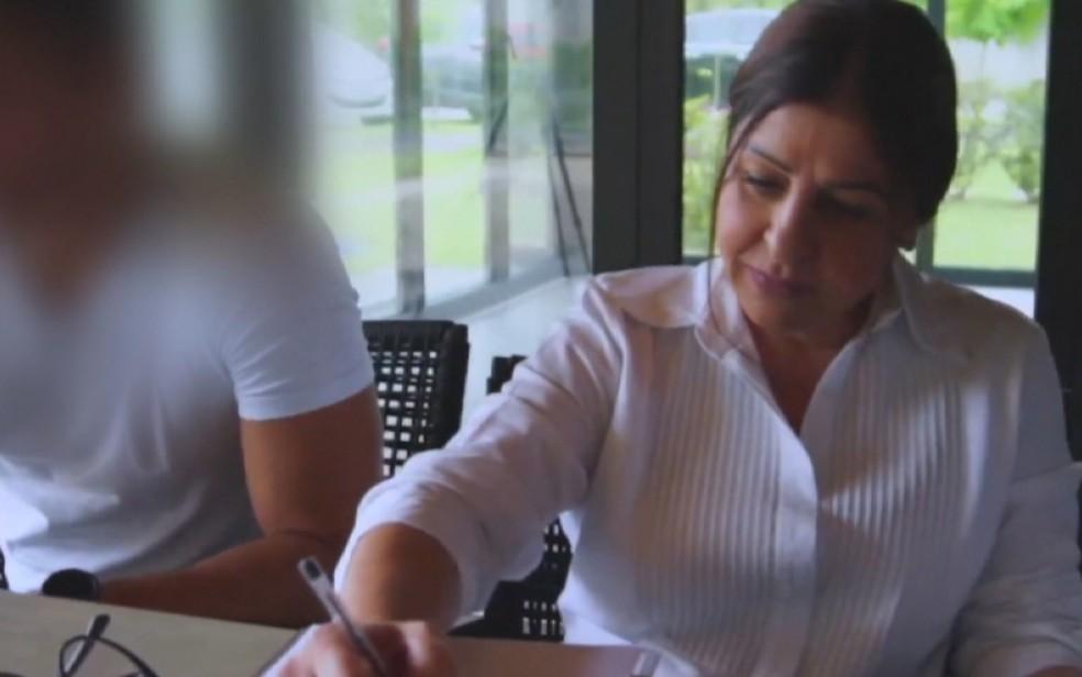 Maria de Fátima Abranches Castro durante concurso do Miss Goiás no ano de 2019 — Foto: Reprodução/TV Anhanguera