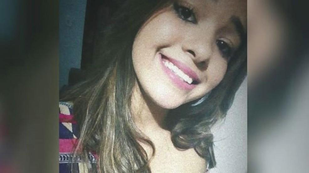 Taiene foi morta a facadas em Aracruz — Foto: Reprodução/Facebook