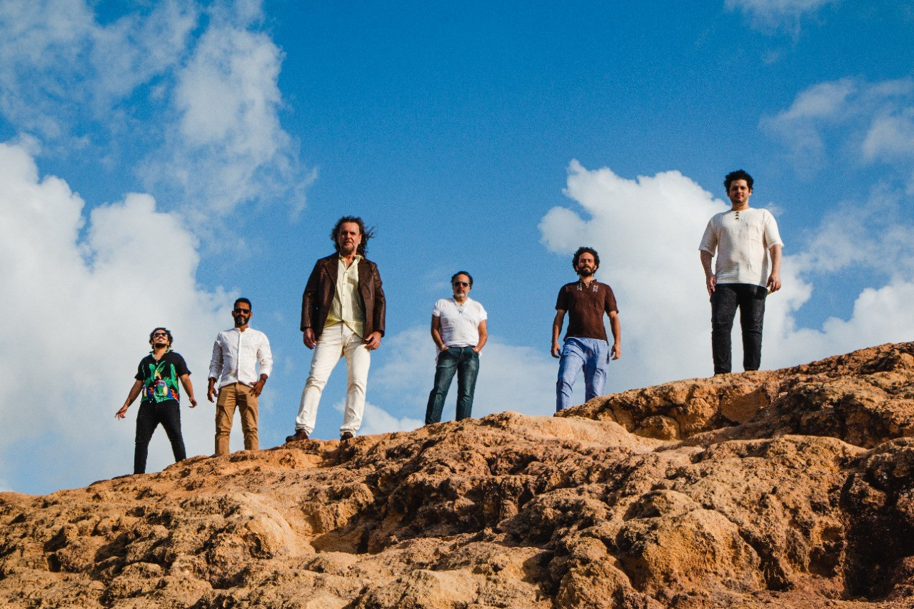 Banda de Pau e Corda cumpre missão de cantar a vivência nordestina no primeiro álbum de músicas inéditas em 29 anos
