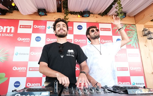 O duo Cat Dealers tocam no Sunset do QUEM On Stage