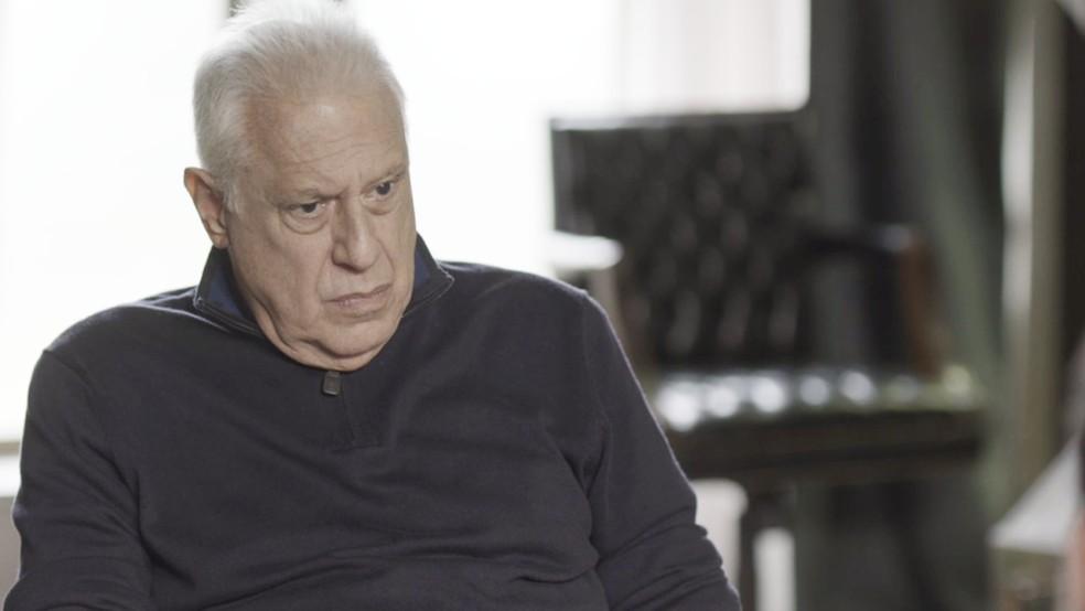 Que situação, hein, Alberto (Antonio Fagundes)? — Foto: TV Globo