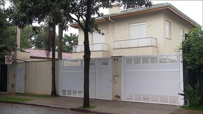 Resultado de imagem para Empresário mostra documento que comprova que parte da reforma da casa da filha de Temer foi paga em dinheiro