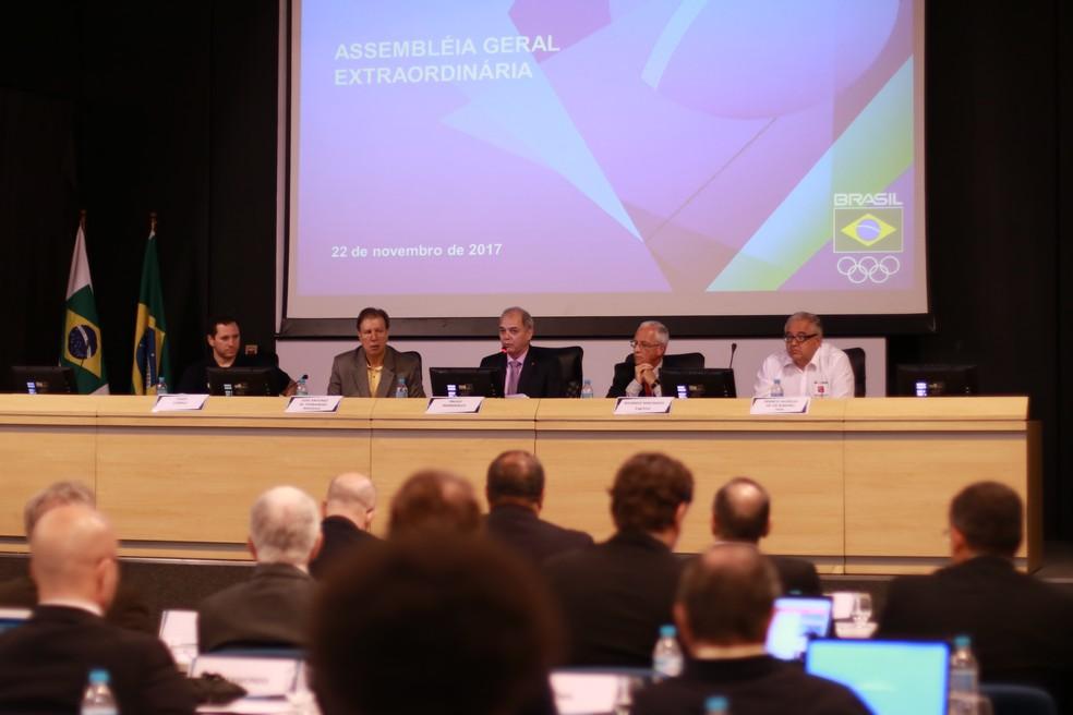 Encontro no COB teve discordância sobre participação de atletas na semana passada (Foto: Rafael Bello/COB)