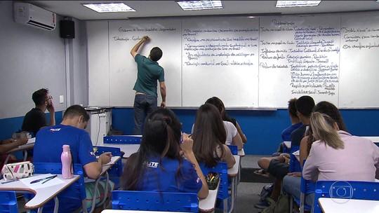 Na reta final, estudantes se preparam para as provas do Enem