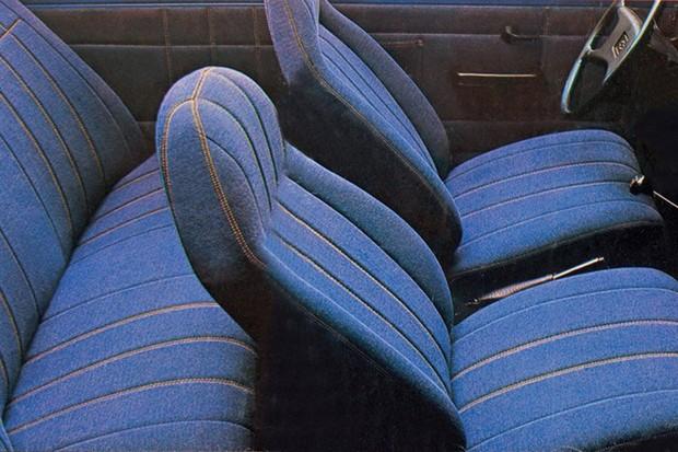 Revestimento interno em jeans caracterizou a série especial do Chevette (Foto: Divulgação)