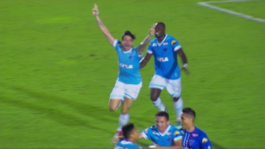 Gol do Paysandu! Pedro Carmona cruza, e Timbó vira o jogo, aos 45' do 2º tempo