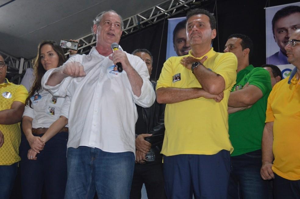Ciro Gomes durante discurso no Rio Grande do Norte neste sábado (22) — Foto: Bruno Vital/G1