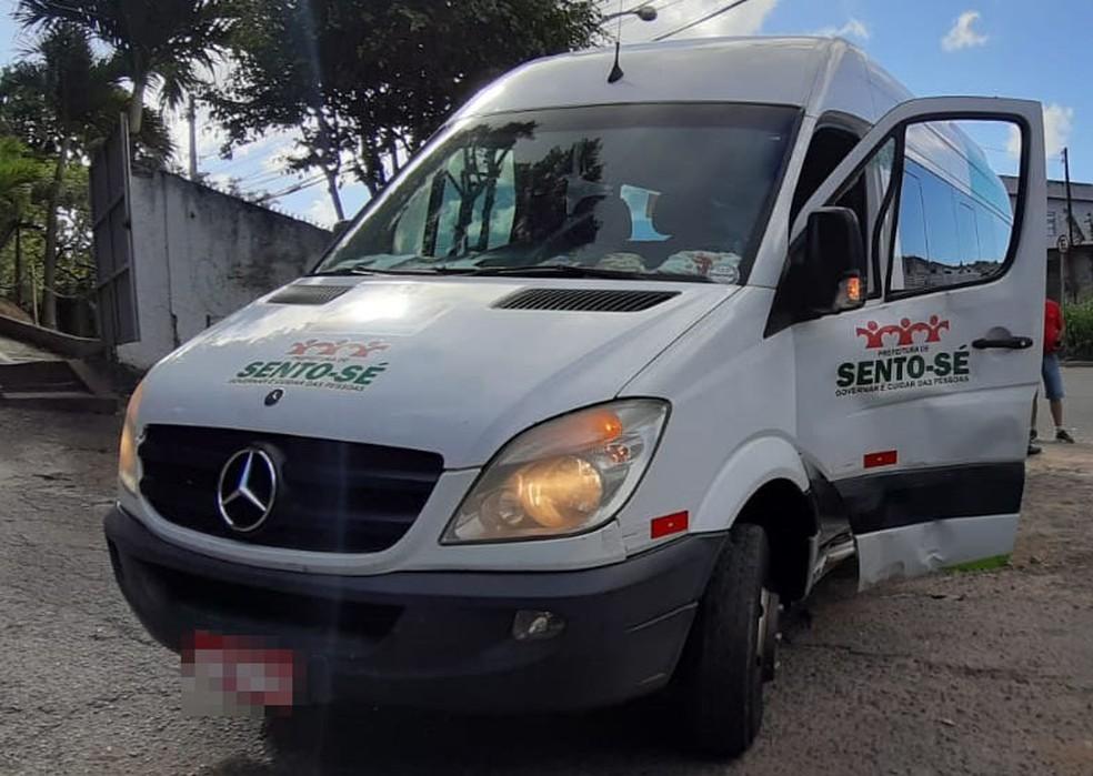 Ferido foi atendido pelo Serviço de Atendimento Médico de Urgência.  — Foto: Raphael Marques / TV Bahia