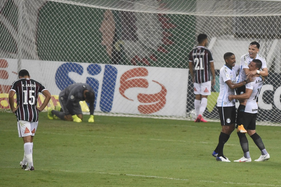 Apático, Fluminense teve noite para ser esquecida no Maracanã — Foto: André Durão / ge