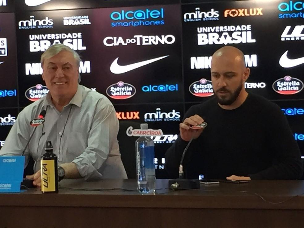 Flávio Adauto e Alessandro Nunes, dirigentes do Corinthians, concederam entrevista nesta quarta (Foto: Marcelo Braga)
