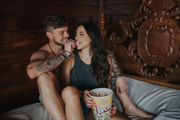 Paula e Breno comemoram 4 meses de namoro com ensaio (Foto: Caroline Castro / Juliano Mendes Assessoria)
