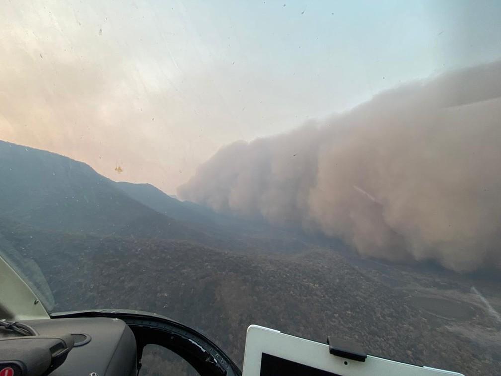 Piloto gravou momento em que se deparou com nuvem de poeira em MS — Foto: Comandante Sathler/Ibama