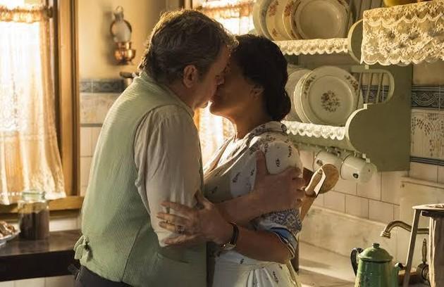 Cássio Gabus Mendes escolhe o primeiro beijo de Afonso e Lola: 'Pelo movimento, pela marcação... Os dois saem do beijo com uma trapalhada... Tem um desenho muito bacana ' (Foto: TV Globo)