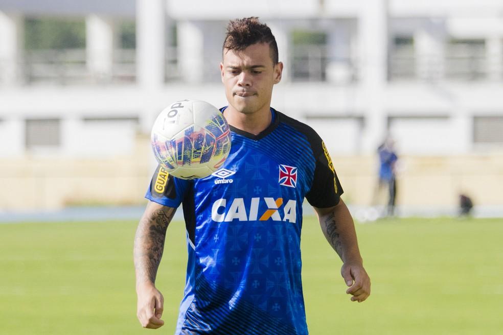 109f912afc26f ... Bernardo foi Campeão Carioca e da Copa do Brasil vestindo a camisa do  Vasco — Foto
