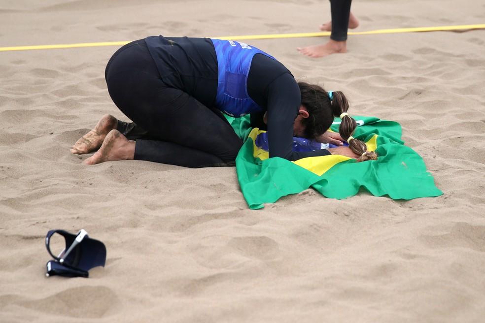 Carol e Ângela coqnuistam o bronze no Pan de Lima — Foto: PILAR OLIVARES