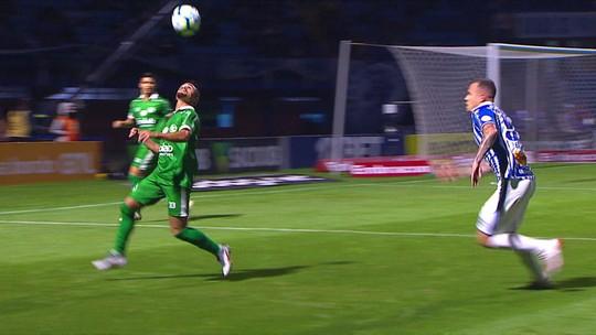Com apenas quatro gols e há cinco jogos sem marcar, Valentim cobra mais tranquilidade do Avaí