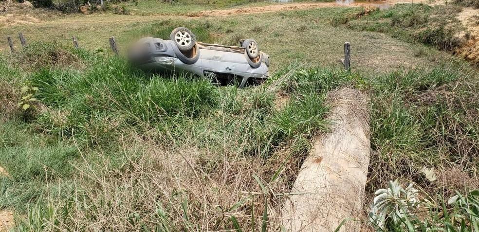 Acidente que matou jovem de 23 anos no Vale do Anari aconteceu na tarde desta sexta-feira (6). — Foto: PM/Divulgação
