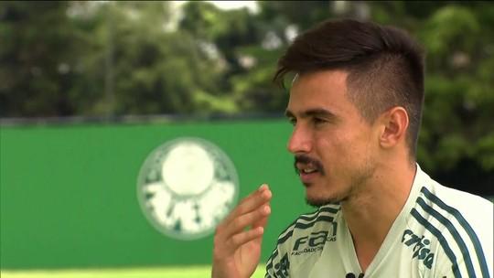 """Sem saber se será titular contra o Santos, Willian diz: """"Quem entrar vai dar conta"""""""