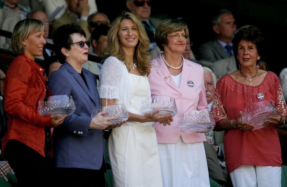 Martina Navratilova, Billie Jean King, Steffi Graf, Margaret Court e Maria Esther Bueno são homenageadas em Wimbledon — Foto: Daniel Berehulak/Getty Images
