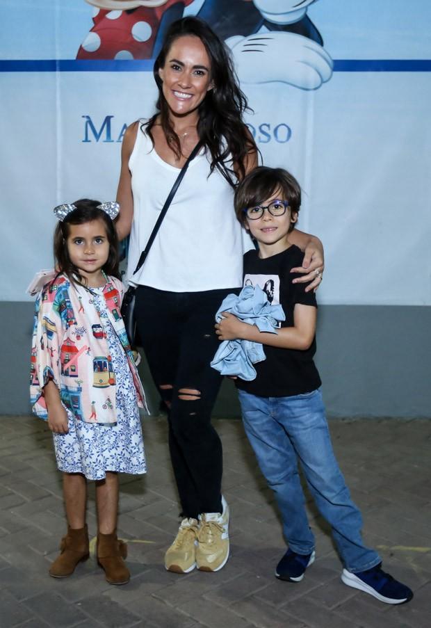 Francisca Pereira e os filhos Vicente e Francisca (Foto: Roberto Filho/Brazil News)