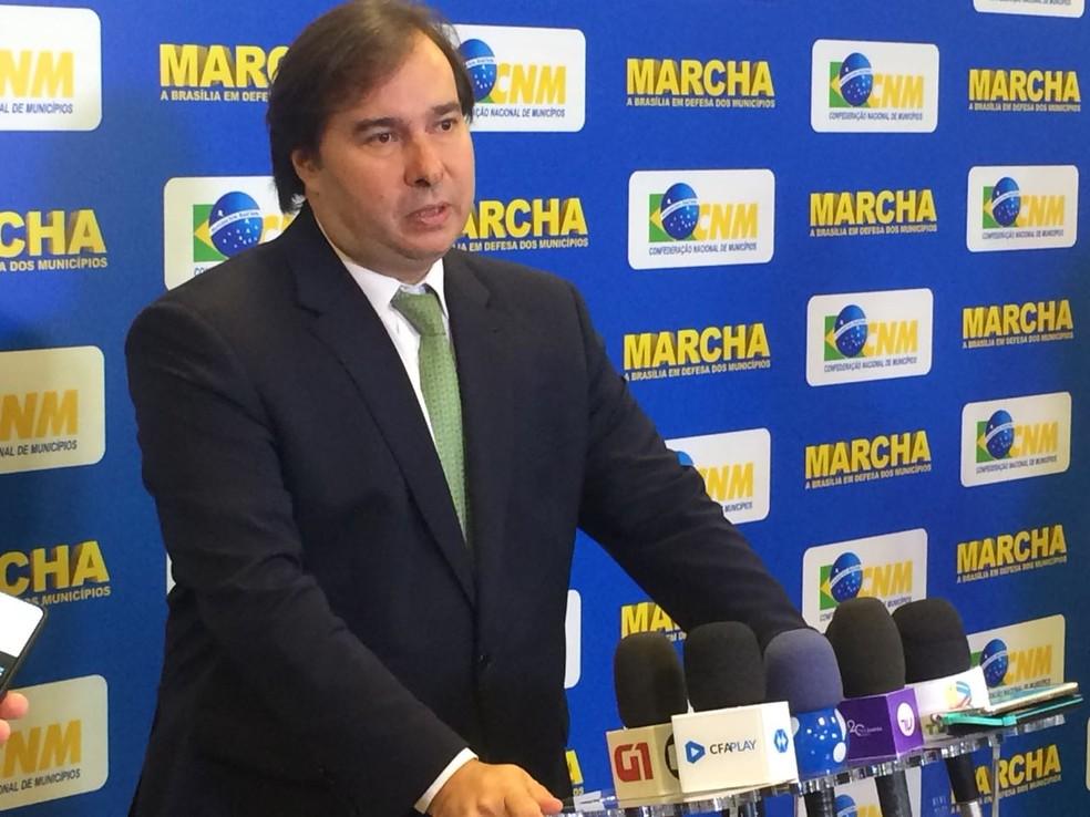 Presidente da Câmara, Rodrigo Maia, defende corte do PIS/Cofins sobre combustíveis (Foto: Wellington Hanna/G1)
