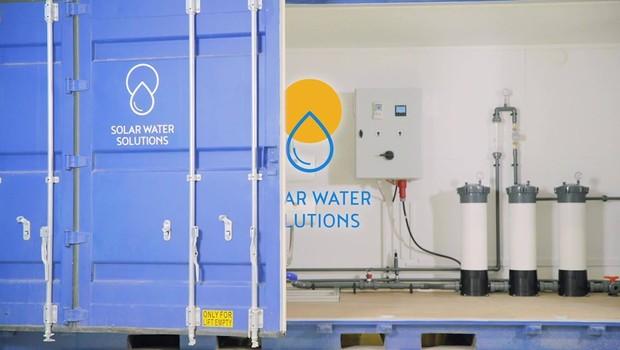 Dispositivos são modulares, sendo que o sistema de menor tamanho tem capacidade para produzir 3.500 litros de água por hora (Foto: Divulgação/Solar Water Solutions])