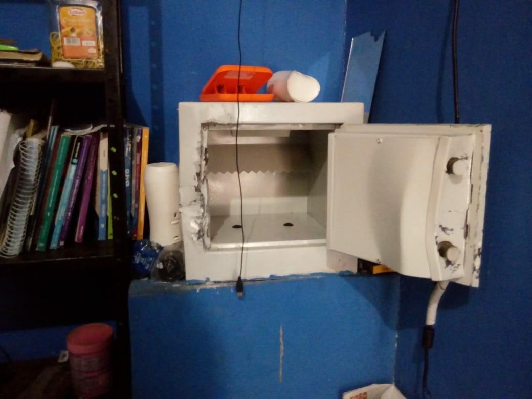 Ladrões arrombam cofre e levam mais de R$ 160 mil de correspondente bancário no AP  - Radio Evangelho Gospel
