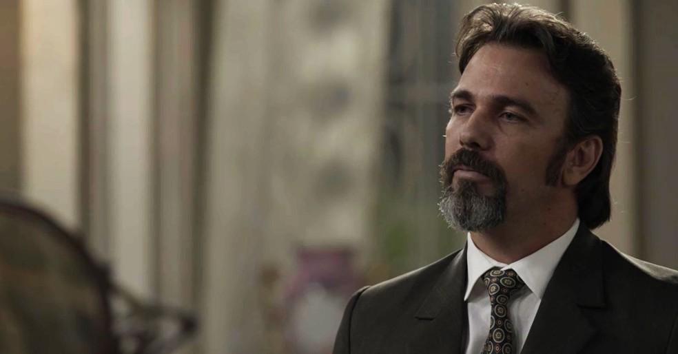 Aurélio surpreende e diz que vai esperar Julieta o tempo que for preciso  (Foto: TV Globo)