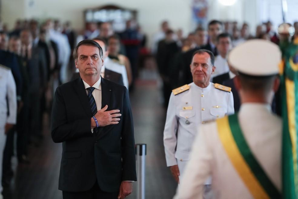 O presidente Jair Bolsonaro, nesta quinta-feira (28), durante entrega de condecorações em solenidade comemorativa do 211º Aniversário da Justiça Militar da União — Foto: Marcos Corrêa/Presidência da República