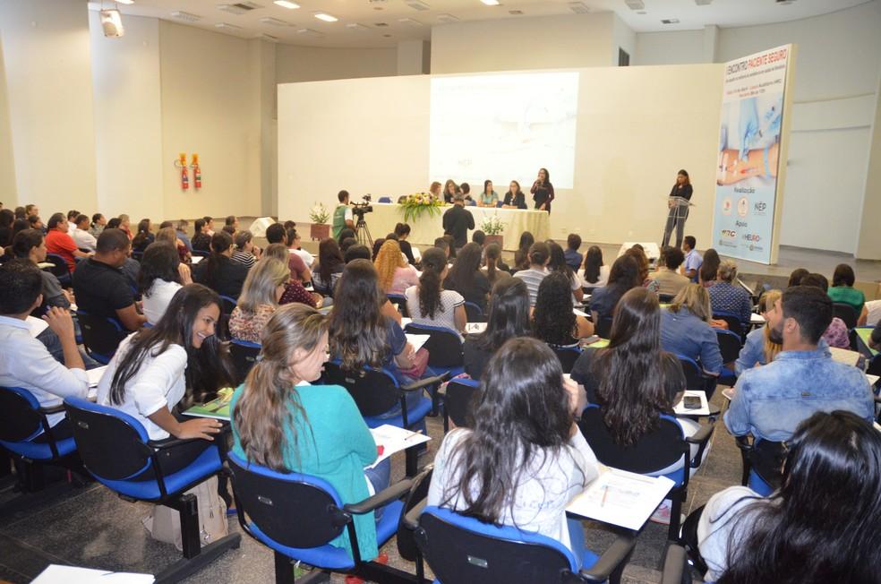 -  Segurança do paciente é discutida durante encontro com profissionais da saúde  Foto: Magda Oliveira/ G1