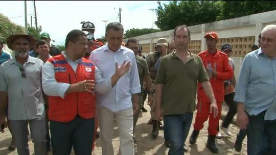 Governador visita região de rompimento de barragem e anuncia ajuda às famílias
